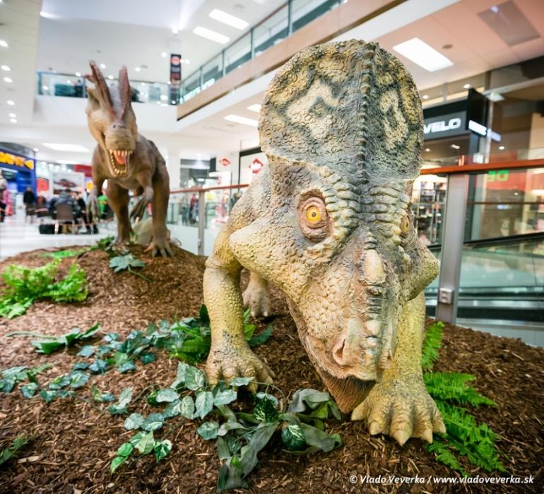 Dinosaury sú späť